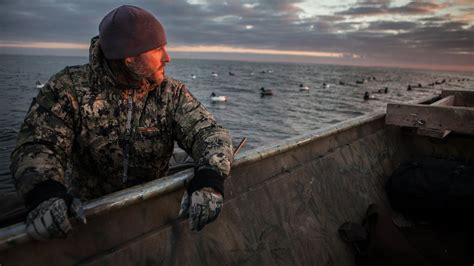 layout hunting green bay diver duck hunting on green bay lake michigan youtube