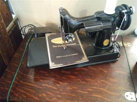 antique sewing machine table value antique singer sewing machine cabinet value antique