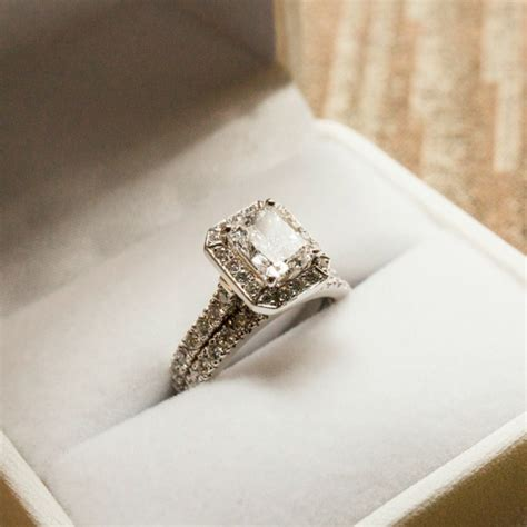 how much does the average engagement ring cost wedded