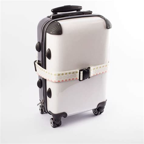personalised luggage straps create unique suitcase straps