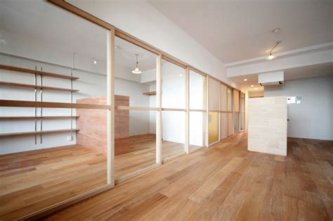 Small Apartment Interior With Movable Boundary Elements Partition Doors Interior