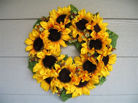 Home Made Decorations For Christmas sunflower wreath henhaus style