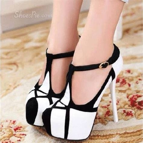Dreamgirl Gets Shoe by Shoes Black White Shoes Heels Black And White High
