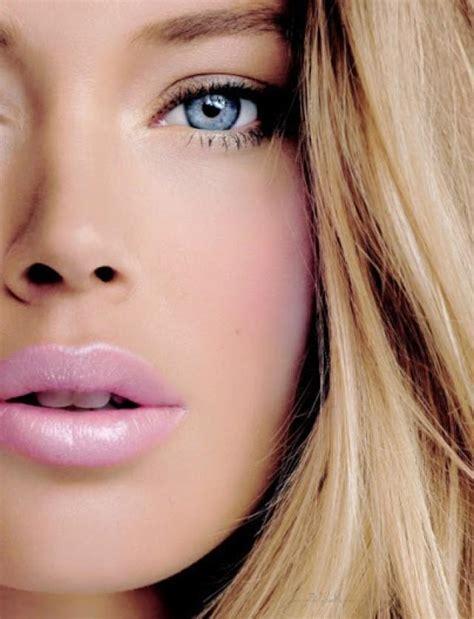 The Makeup Light by Wedding Lights Light Pink 2054879 Weddbook