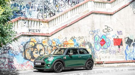 2015 MINI Cooper HD Wallpapers: British Racing Green Goes Well with the Union Jack Flag