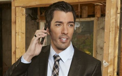 drew scott drew scott of property brother s checks out signs