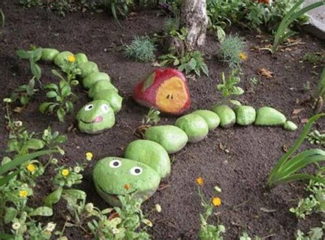 Painting Rocks For Garden 25 Best Ideas About Painted Garden Rocks On Pinterest Ladybug Rocks And Painted