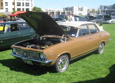 file holden lc torana s 4 door sedan jpg wikimedia commons
