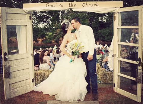 real backyard weddings savvy deets bridal real weddings jordan justin s country backyard wedding