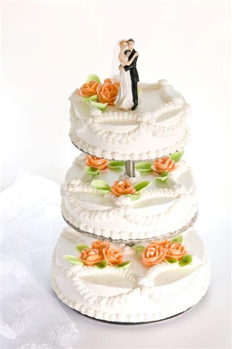 Weiße Hochzeitsdeko by Deko Hochzeitstorte Brautpaar Execid