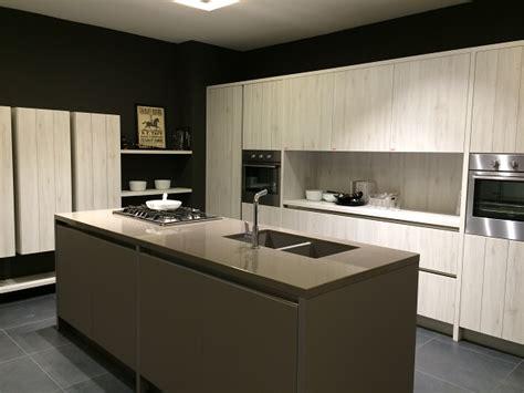 piano della cucina piano della cucina quale materiale arredamente