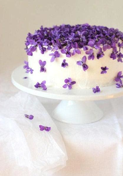 Edible Cake Decorations - fabulous ideas for cake decoration with edible flowers