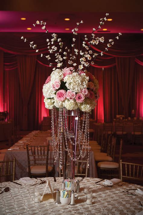 Floral Centerpiece Idea For Casual Weddings by Interesting Picture Of Mixing And Hydrangeas Pink And