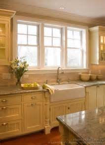 backsplash windows kitchen