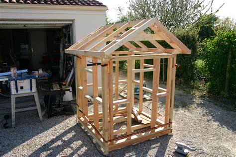 Fabriquer Une Cabane En Bois Pour Enfant by Construire Une Maisonnette En Bois 10144 Sprint Co