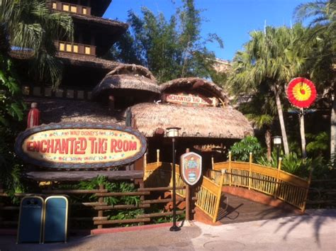 tiki room disney world review walt disney s enchanted tiki room at the magic kingdom yourfirstvisit net