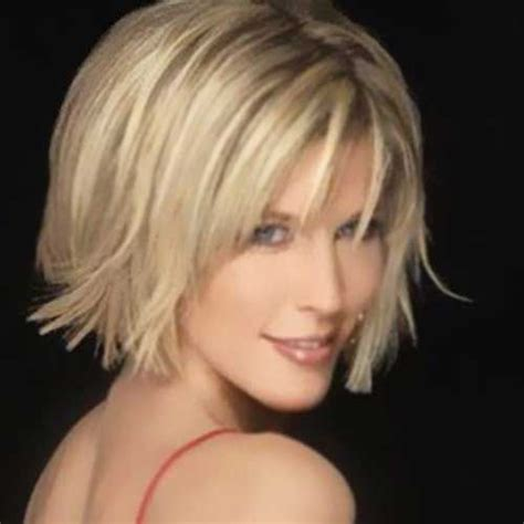 Haircuts With Description   the graduated bob is also known as the medium length