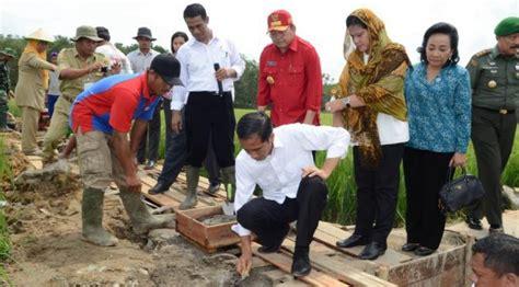Membangun Kemandirian Desa aset desa sebagai basis desa membangun suarakebebasan