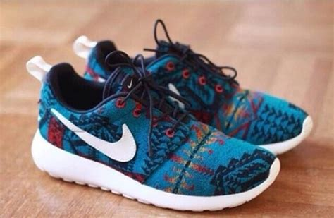 tribal pattern roshe runs shoes nike nike roshe run pattern nike aztec roshe run
