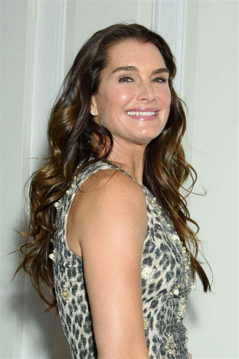 brooke shields brooke shields the fragrance foundation awards finalist