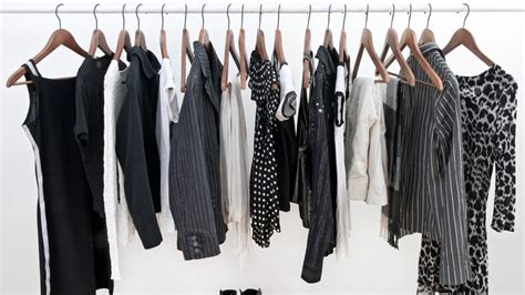 decluttered meaning trucos para evitar que la ropa negra se decolore flota