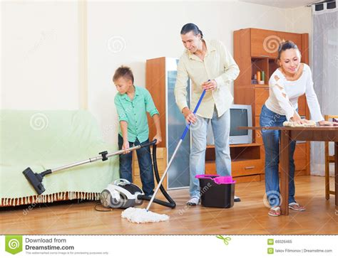 Pictures Of Family Members Doing Household Chores