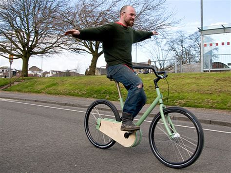 nothing to see here just a typical bicyclist pushing a 70 year gyroscopic effects have almost nothing to do with your