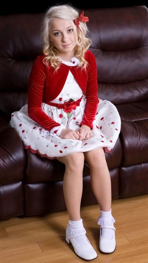 sissy son wearing moms clothes 24 best images about blackmail pictures on pinterest