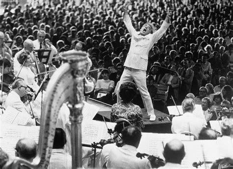 möbel mahler len 10 reaction gifs of leonard bernstein conducting that you