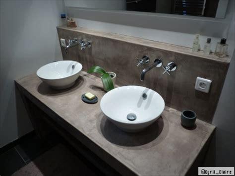 castorama béton ciré 3597 couleur mur salle de bain grise et bois