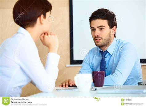 Kaos Berak Business S M L Xl business conversation with colleague during