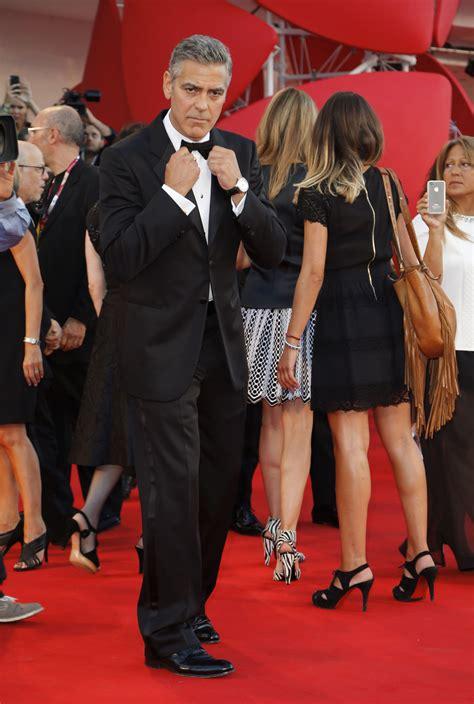Pria Cilik Merdeka Oleh Terry Pratchett setelah pegulat kini george clooney pacari pengacara merdeka
