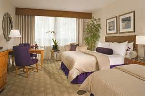 how to make a hotel room comfortable stay hotel hotel room overview07