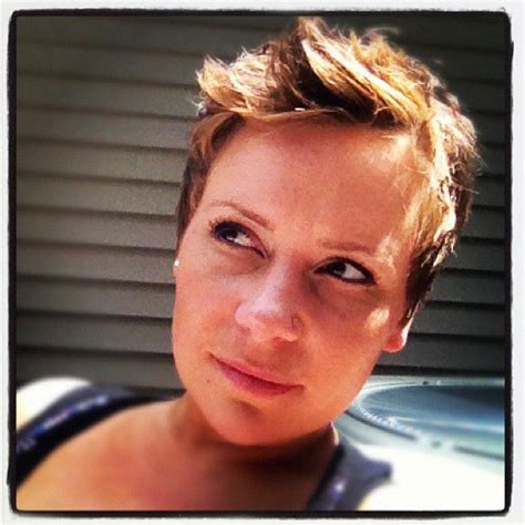 easy step by step instructions for pixie cut a step by step guide to growing out a pixie cut