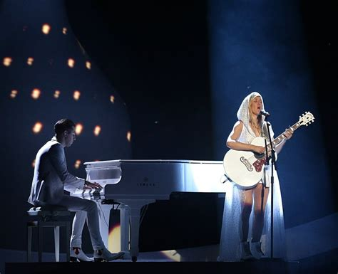 brit awards 2014 katy perry reveals ellie goulding is ellie goulding performs burn as the spotlight hits at