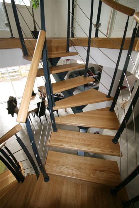 escalier metal 744 escalier tournant un quart escalier m 233 tallique et bois