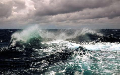 wavestormthegrease com waves storm seascapes wallpaper 2560x1600 9555