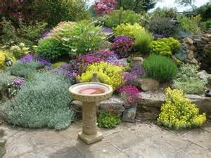 Landscape Ideas For Small Gardens Garden Landscaping Here S A Gorgeous Small Garden Land