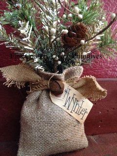 how to geed burlap in a christmas 25 best ideas about primitive crafts on country crafts