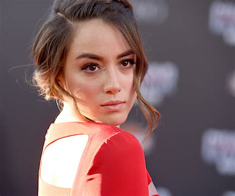 actress surname skye actor chloe bennet changed name because hollywood is