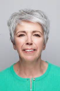 makeup for women over 60 with gray hair elsa mcalonan shows you make up that goes with grey hair