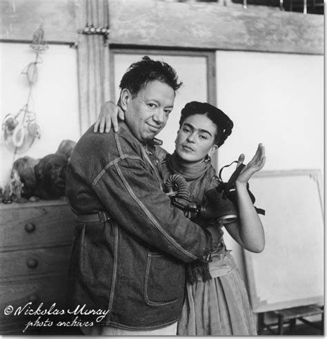 frida kahlo y diego rivera biography frida and diego with gas mask