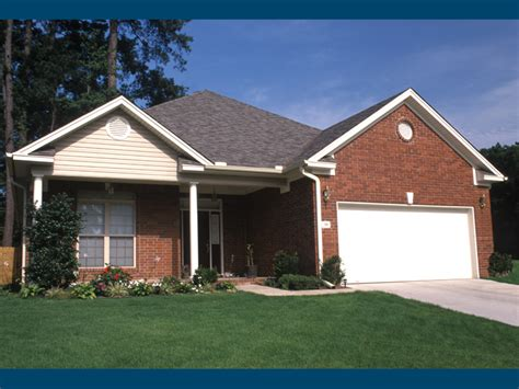 Garage In Front Of House Kingsbury Narrow Lot Home Plan 055d 0280 House Plans And