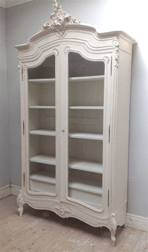 antique white armoire 25 b 228 sta french armoire id 233 erna p 229 pinterest garderober sovrum vintage och