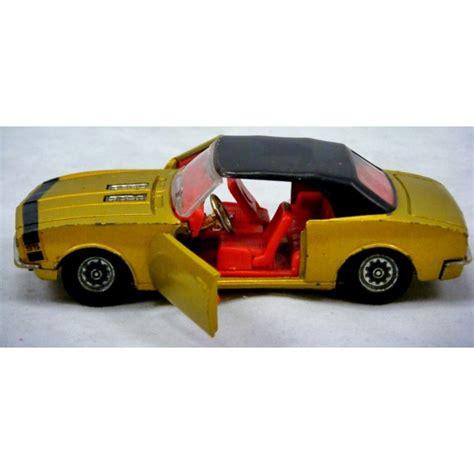 Die Cast Hotwheels 16 Camaro Ss 1 corgi 338a 1 chevrolet camaro ss convertible global