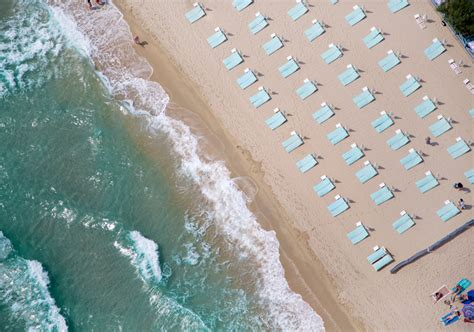 gray malin photography aerial beach photographs by gray malin indulgd