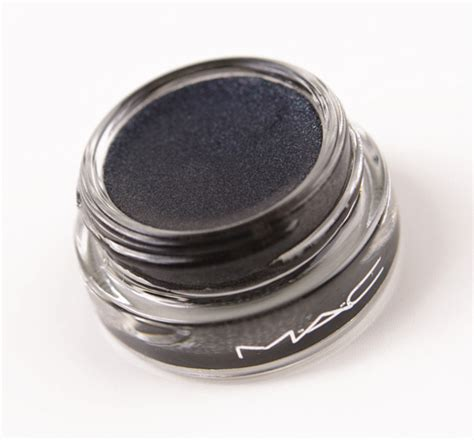 Marquez Semut Black all about make up black glitter eyeshadow
