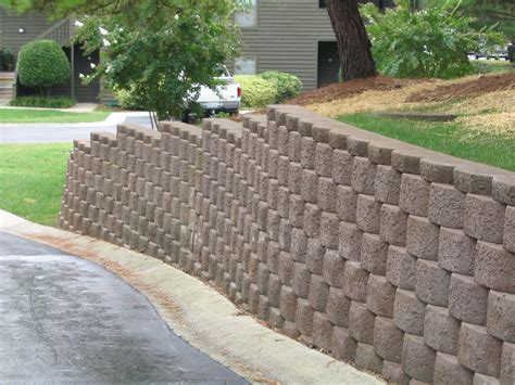 Landscaping Ideas For Retaining Wall Block 2017 2018 Block Garden Wall