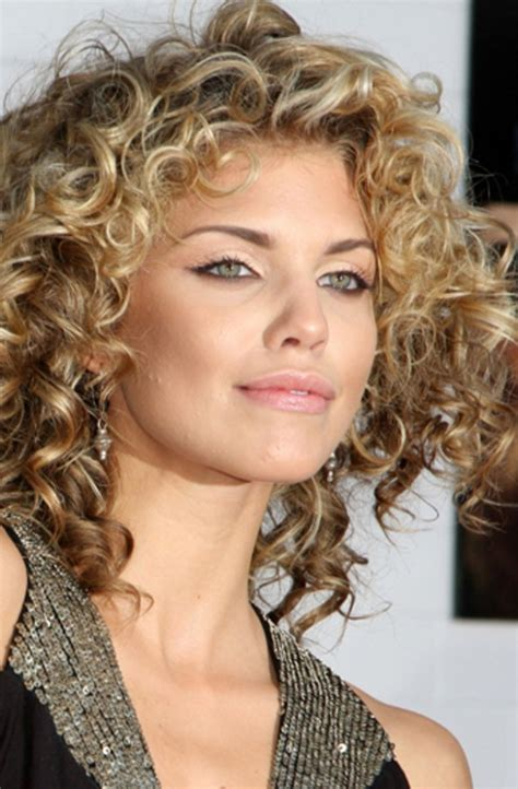 curly hairstyles for round faces 2015 gorgeous hairstyles for girls with really curly hair