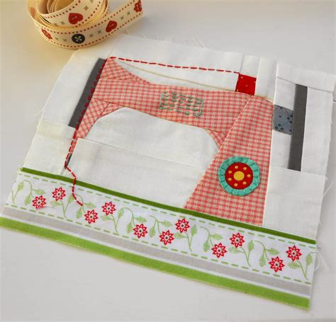 Sewing Machine Patchwork - the patchsmith paper and patchwork